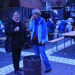 Nicht die Kälte, sondern die Geräusche der Nacht haben ihr den Schlaf erschwert: Karen Schueler-Albrecht (rechts)
