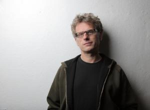 Faible für sKurrile Töne: Michael Petermann funktioniert Mixer, Kaffeemühlen und Staubsauger zu klassischen Musikinstrumenten um.