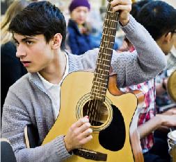 Der Sound der Bremer Vorstadt: Dass ein berühmtes Orchester in Bremen-Tenever probt, bringt allen was! Foto: Dmitrij Leltschuk