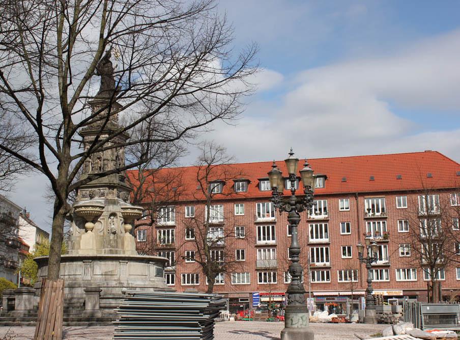 Im Juni soll auf der umgebaute Hansaplatz als neuer Hotspot mit Außengastronomie eröffnet werden.