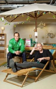 Das etwas andere Wohnvergnügen: Sven Amtsberg (links) und Pascal Finkenauer bei habitat.