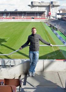 Nachdem Andreas Biermann sich seiner Krankheit gestellt hatte, stand er schnell alleine da: Weder Mannschaftskollegen noch Offizielle vom FC St. Pauli hätten sich je wieder bei ihm gemeldet, sagt er.