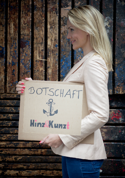 Lange hat sich Judith Rakers eher punktuell engagiert, jetzt ist die Tagesschau-Sprecherin die erste Botschafterin von Hinz&Kunzt.