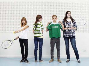 Spiel, Satz und Sieg für die Schüler (v.li.) Charlotte Biel, Anneke Riedler, Leopold Harms und Patricia Plaumann