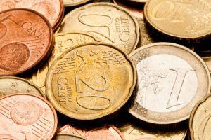 Wie viel Gehalt reicht zum Leben? Die SPD fordert mindestens 8,50 Euro brutto Stundenlohn