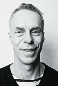 """Dirk Bielefeldt alias """"Herr Holm"""" wurde am Anfang oft verhaftet: Das unbefugte Tragen einer Polizeiuniform ist schließlich verboten."""