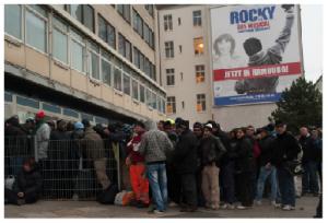 Das Winternotprogramm in der Spaldingstraße war  im Winter oft überfüllt. Im Februar hat die Sozialbehörde  deshalb eine weitere Unterkunft in der Schnackenburgallee eröffnet.