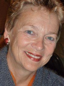 Gisela Burckthard, Vorstandsvorsitzende von Femnet und Mitglied der Kampagne Saubere Kleidung. Foto: privat.