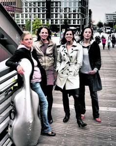Sie mixen munter Klassik, Rock und Folk: Angelika Bachmann, Anne-Monika von Twardowski, Iris Siegfried und Sonja Lena Schmid.