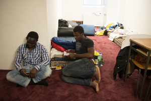 Afrikanische Flüchtlinge in Moschee in Glinde.