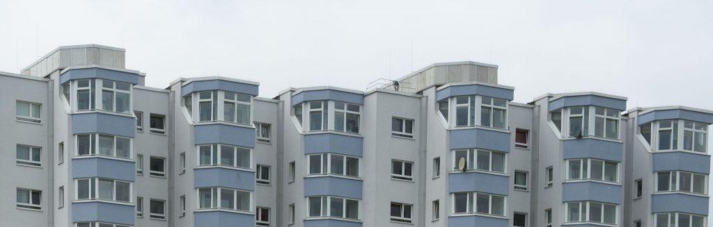 130.000 Wohnungen hat Saga GWG in Hamburg. In zu wenigen davon leben arme Menschen, findet das Diakonische Werk.