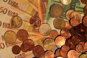 Alles andere als Peanuts: Hunderttausende Euro erhalten die politischen Parteien für ihren Wahlkampf – auch von Hamburger Unternehmen und Mäzenen. Foto: Thomas Klauer/pixelio.de