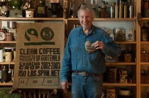 Ob es ihm im Blut liegt oder an seiner Leidenschaft für Kaffee? Jedenfalls ist Jens Burg immer munter  und in Erzähllaune. Nur über sein Engagement für Hinz&Kunzt spricht er – ganz Hanseat – nicht so gerne.
