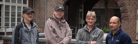 Harald, Peter, Uwe und Torsten (von links) erzählen bei ihren Rundgängen abseits von Touristenrouten auch die Geschichten ihrer eigenen Obdachlosigkeit.