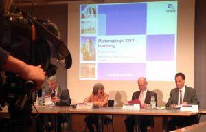 Jutta Blankau, Senatorin für Stadtentwicklung und Umwelt, bei der Vorstellung des Hamburger Mietenspiegels 2013