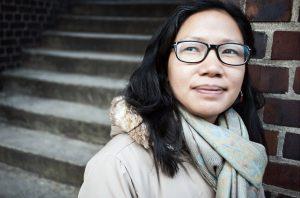 Die indische Journalistin Tongam Rina engagiert sich für Frauenrechte, Umweltschutz und gegen Korruption. Nachdem die 34-Jährige niedergeschossen wurde, wurde für die  Ergreifung der Täter eine Belohnung von rund 29.000 Euro ausgesetzt – bisher ohne Erfolg.
