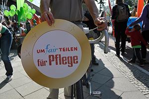 UMfairTEILEN-Protest f¸r soziale Gerechtigkeit in Berlin