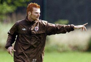 Fußballer Andreas Biermann beim Trainings des FC St. Pauli im Jahr 2008. Damals wusste noch keiner, dass er unter Depressionen litt. Er selbst erkannte es nachdem Nationaltorwart Robert Enke sich das Leben genommen hatte und seine Frau damit an die Öffentlichkeit ging.