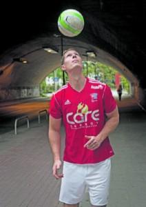 Mit dem Ball im Fokus geht es für Oliver Gutwillinger bergauf.