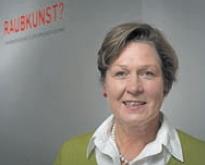 Die promovierte Kunstwissenschaftlerin SILKE REUTHER recherchiert seit Jahren nach den Eigentümern geraubter Kunst. Oft wird sie fündig. (Foto: Mauricio Bustamante)