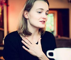 Schauspielerin Birte Schnöink erhält den Boy-Gobert-Preis. Was sie immer wieder mag: unkonzentrierte Schüle rin ihren Bann ziehen. Foto: Dmitrij Leltschuk