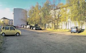 2012 hatten SPD und der Bezirk Altona verkündet, dass auf dem Zeise-Parkplatz Wohnungen gebaut werden, davon 50 Prozent SOZIALWOHNUNGEN. Jetzt soll hier ein Büroklotz für die weltgrößte Agenturgruppe entstehen.