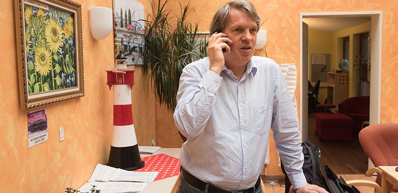 Kommunikation ist das Wichtigste für Ulf Christiansen. Der 61-Jährige GEWERKSCHAFTER weiß, wovon er redet: Er ist lange selbst zur See gefahren.